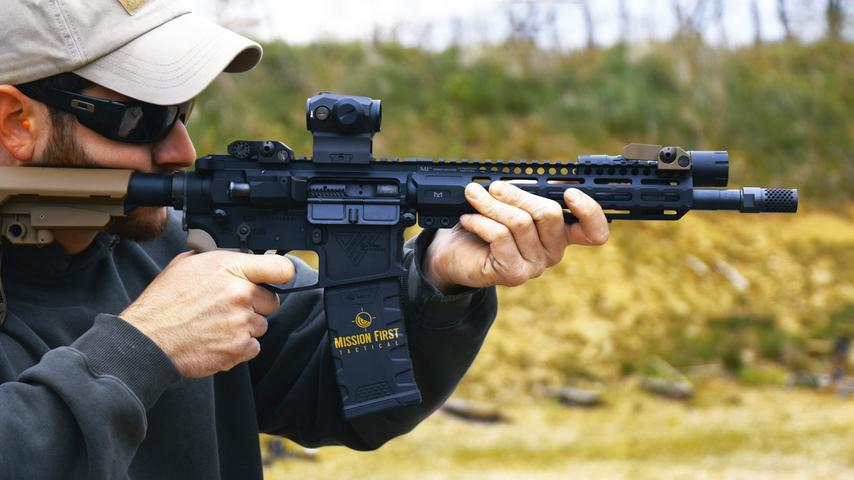 Defending the Carbine AR-15 From Midlength Poors